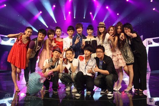 图文:麦克达人首场-首轮电视PK音乐秀