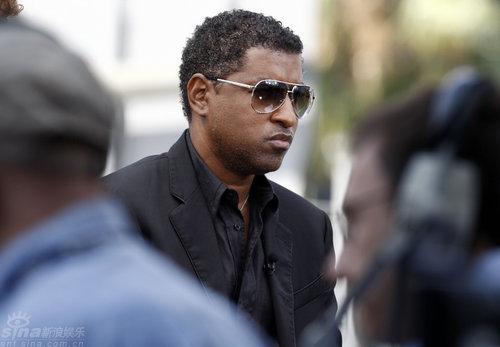 图文:知名R&B歌手兼制作人肯尼斯-埃德蒙兹