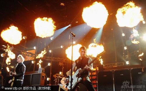 图文:2009MTV欧洲音乐大奖--火爆舞台效果