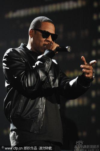 图文:2009MTV欧洲音乐大奖--JayZ黑超登台