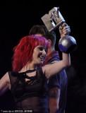 Paramore获另类音乐人奖女主唱登台领奖(图)