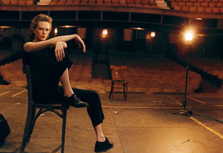 图文:妮可-基德曼写真--舞台一角
