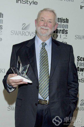 日前,柯林•麦克道威尔刚刚又获得了苏格兰时尚大奖的时尚大使称号