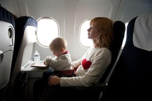 宝宝坐飞机有哪些注意事项