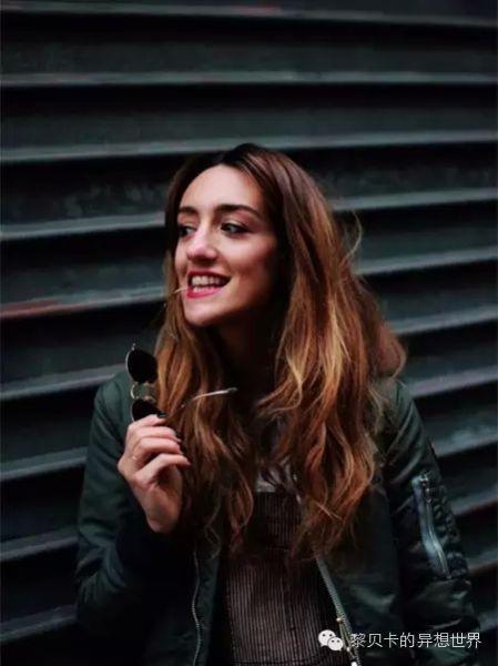 法国时尚博主Kenza Sadoun