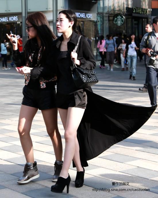 街拍:身材热辣面容姣好的三里屯美女|三里屯|美