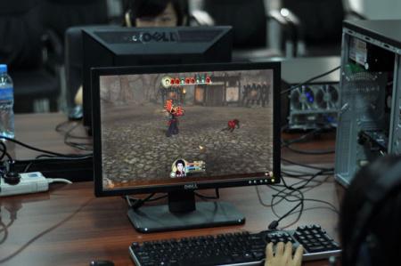游戏的战斗画面,出暴击了,RP不错啊