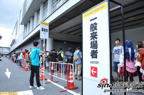 东京电玩展开放日 入场玩家排队延续近千米