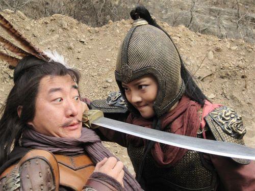 电视剧《水浒传》中的王英与扈三娘手机苹果6s上的视频小米电视剧图片