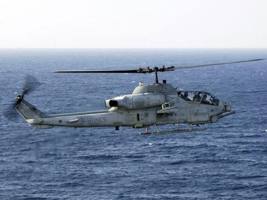 武装直升机出动 海陆空军演发布