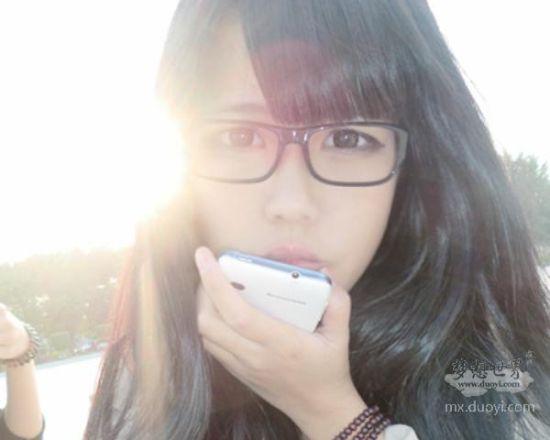 昵称:音子emotiona°   服务器:海枯石烂   齐刘海,大眼睛,嘟嘴小