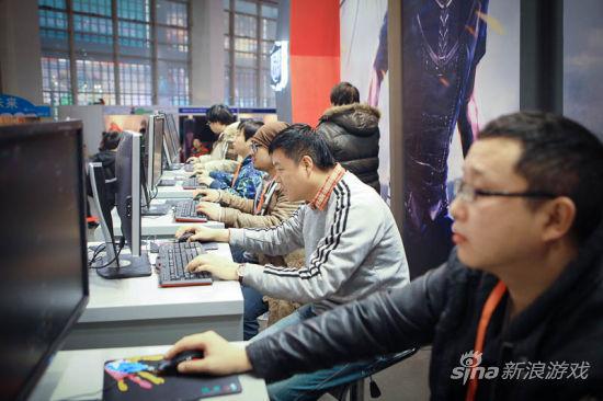 林熊猫、Go_hank、苹果牛、苍天哥、老刀99一系列名人的出现引起了玩家的关注