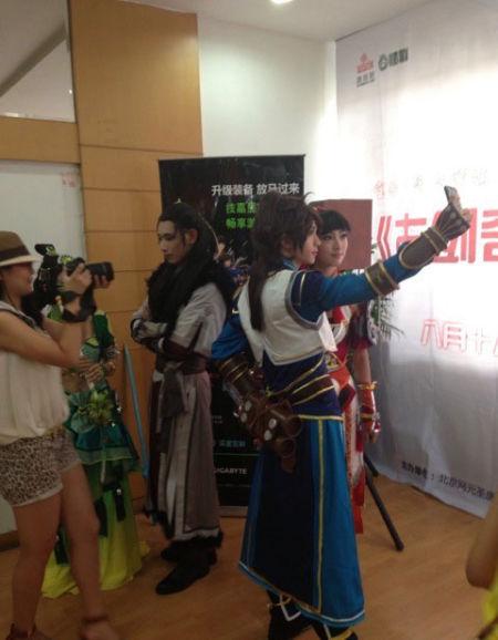 玩家拍摄的上海和杭州签售会欢乐瞬间
