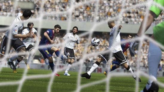 《FIFA 14》游戏截图 (17)