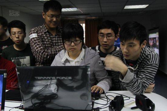 中国电竞的崛起让越来越多的年轻人投身到游戏大军中