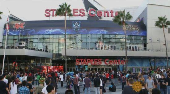 在洛杉矶湖人主场举办的《英雄联盟》赛事