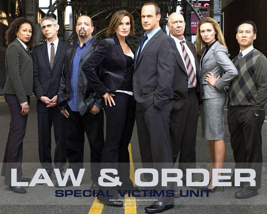该剧以真实反映美国法律制度和现状闻名