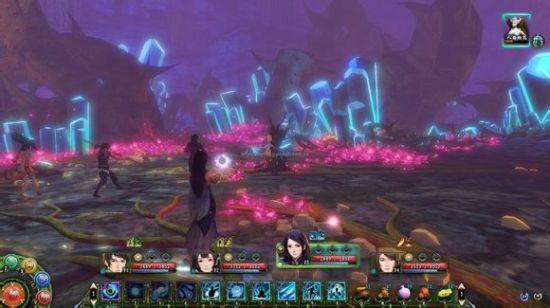 ▲《穹之扉》采用即时战斗的模式,游戏战斗画面截图。