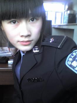 qq华夏200服临近美女交警玩家送祝福
