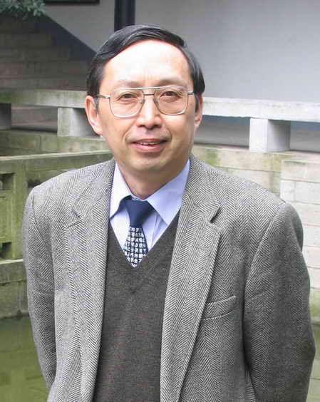 陈来,哲学博士,清华大学哲学系教授,当代著名哲学史家。2009年11月1日正式出任清华大学国学研究院院长。
