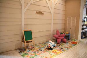 售楼处内的儿童活动区