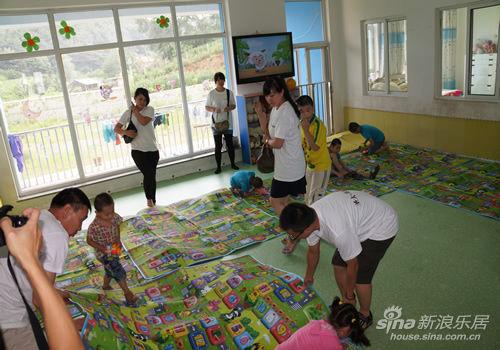 主慰问儿童福利院