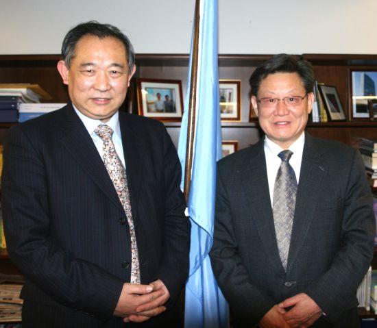 中国世界和平基金会与联合国高官们互动交流
