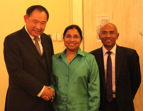 中国世界和平基金会与马尔代夫卫生部长会谈