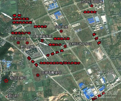 项目占地12万平方米,建筑面积约28万平方米,规划有合院别墅,全精装