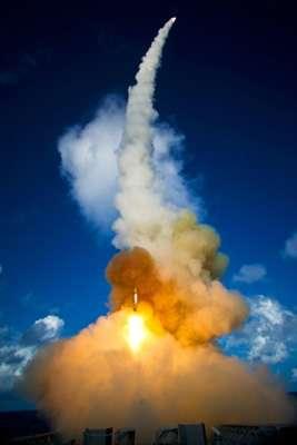 美军成功进行导弹拦截测试成本四千万美元(图)