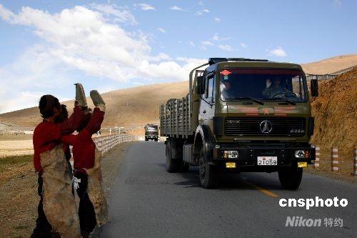 解放军总后通过青藏线为驻藏官兵提供优质保障