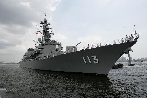 日本海自涟号导弹驱逐舰