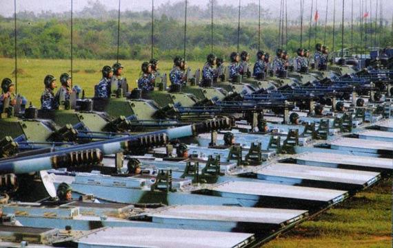 我军已经批量列装新型两栖突击战车