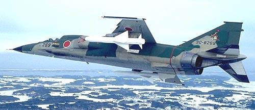 加挂ASM-1空舰导弹的F-1支援战斗机使日本第一次具备有效的空对舰打击能力