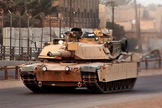驻伊美军装备的M1A1-TUSK城市战型主战坦克