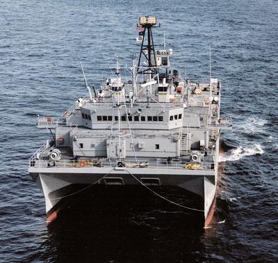 """""""胜利""""号携带有先进的拖曳声呐,可以探测潜艇动向。"""