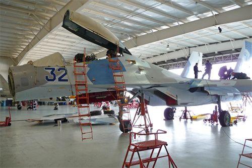 即将组装完成的苏-27战机