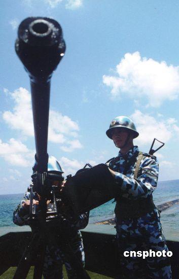 中国海军岛礁守兵。中新社发韩海冰摄