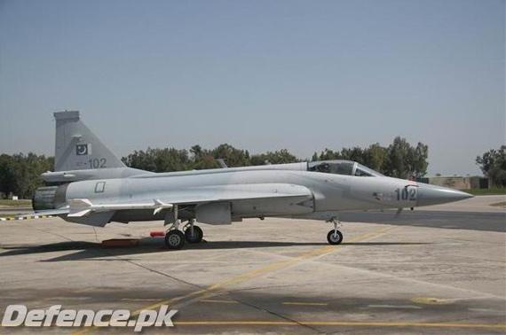 中巴近期刚刚签署了价值10亿美元的战机合同