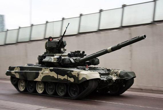 查韦斯要购俄最新型T-90主战坦克抗衡美国(图)