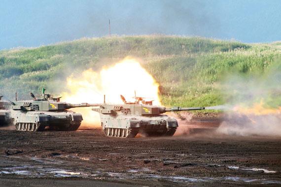 日本国产90式主战坦克