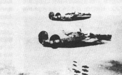 美制B―24型战略轰炸机图片来源:新华网
