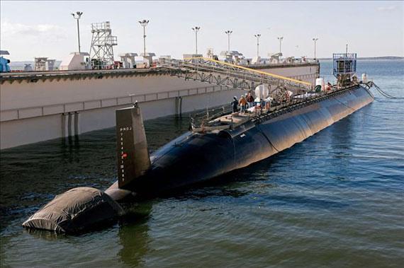"""资料图:美国海军""""弗吉尼亚""""级攻击型核潜艇SSN-779""""新墨西哥""""号11月21日交付海军服役"""