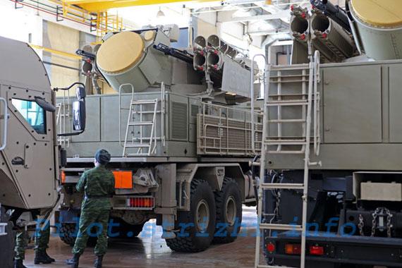 未加装防空导弹的铠甲-S1弹炮结合武器系统