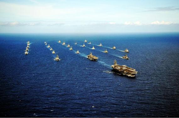 资料图:美韩联合军演海军编队