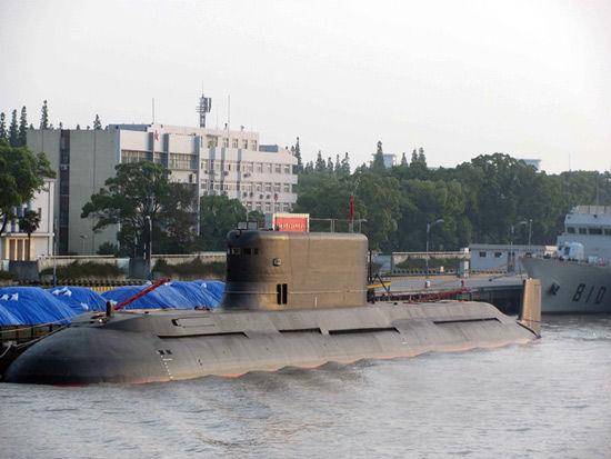 资料图:网上流传的中国海军新型常规潜艇照片