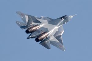 俄T-50战机亮相航展