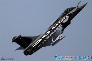法国阵风战斗机飞行表演