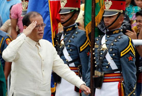 媒体:菲总统虽有华裔血统 但难逃亲美基因