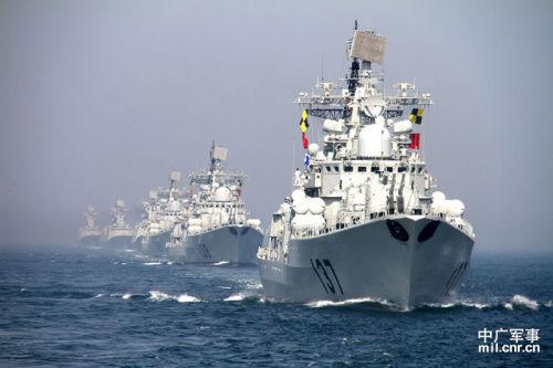 中俄军演受阅舰艇编队 中广军事穆亮龙摄